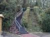 Treppe und Fahrstuhl