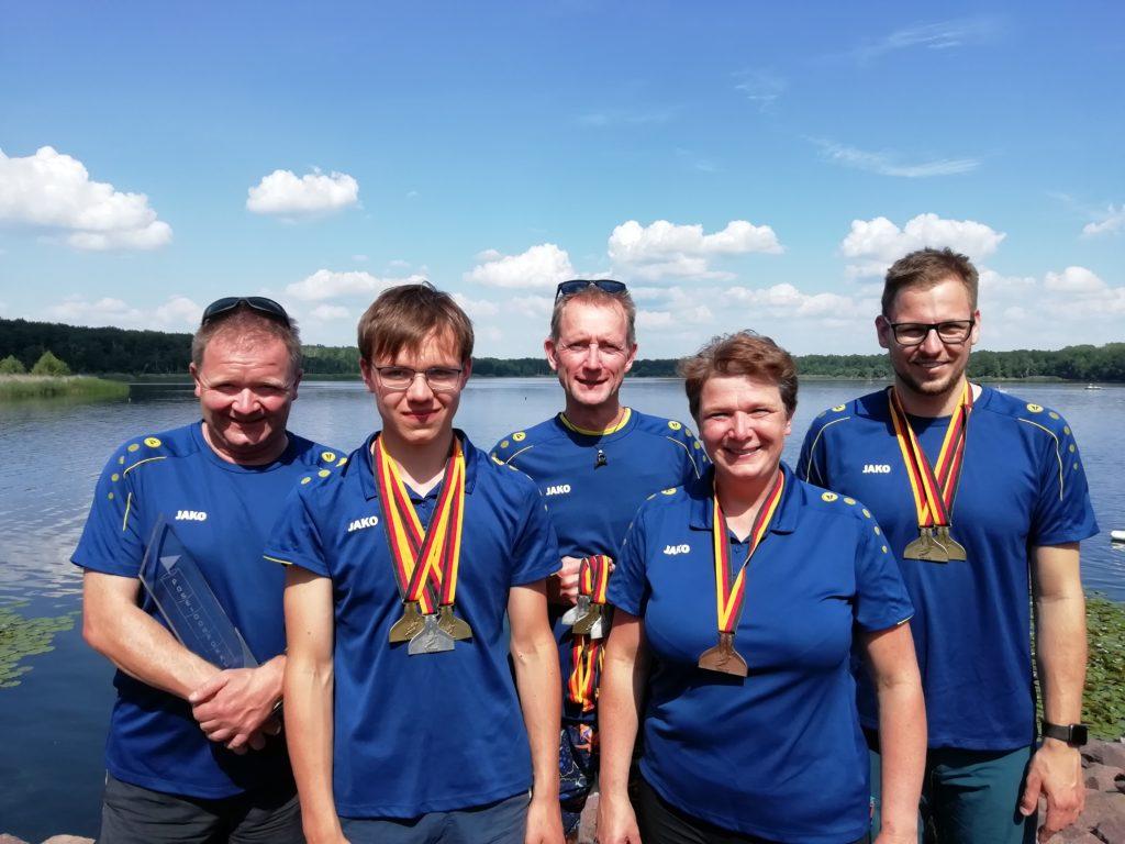 Das Delitzscher Goldteam mit Dirk und Marek Preuß, Daniel Sonnekalb, Heike Preuß und Willi Krause (von links)
